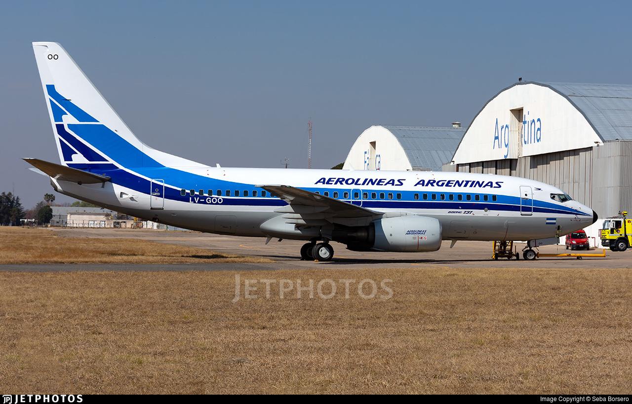 Aerolineas Aregentinas retro jet livery 737