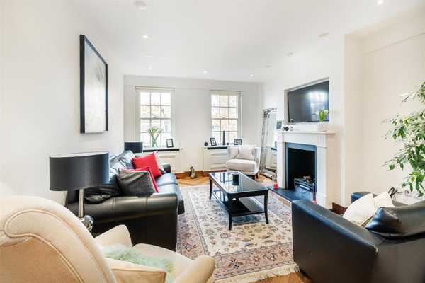FULHAM ROAD, CHELSEA, SW3 £1,450,000 Available 2 bedroom Apartment