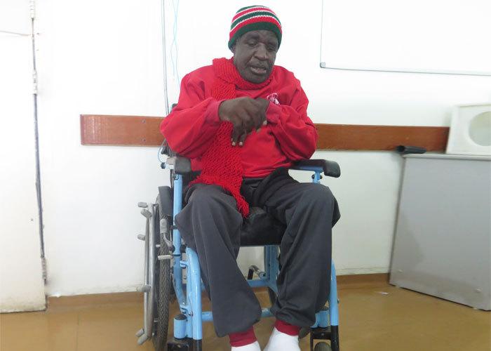 Doe cadeiras de rodas