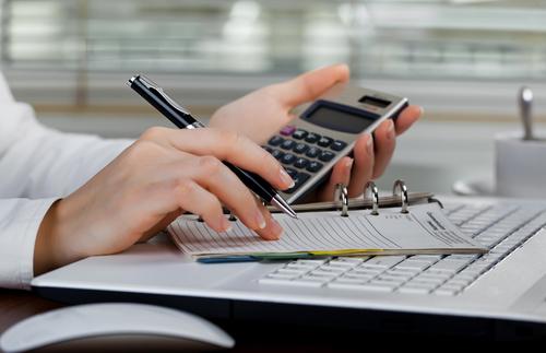 ¿Cuánto es el tiempo máximo que puede estar reportada una persona en centrales de riesgo luego de realizar el pago de la deuda?