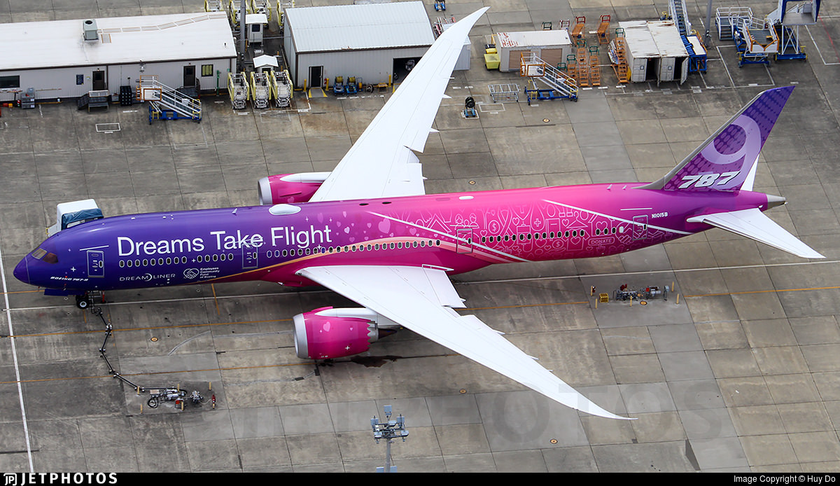 Boeing's new Dreams Take Flight livery 787