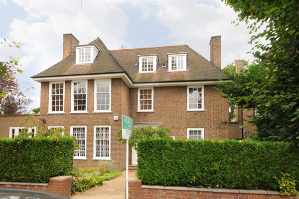 SPRINGFIELD ROAD, ST JOHN'S WOOD, NW8 £4,250 per week