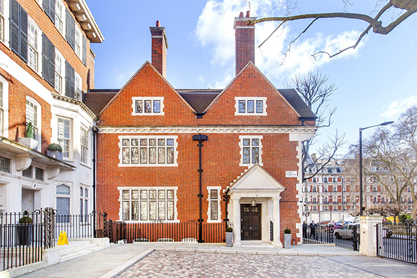 properties-to-rent/7-bedroom-house/lygon-place-belgravia-sw1