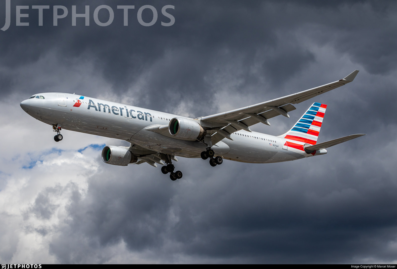 American Airlines A330 landing in London