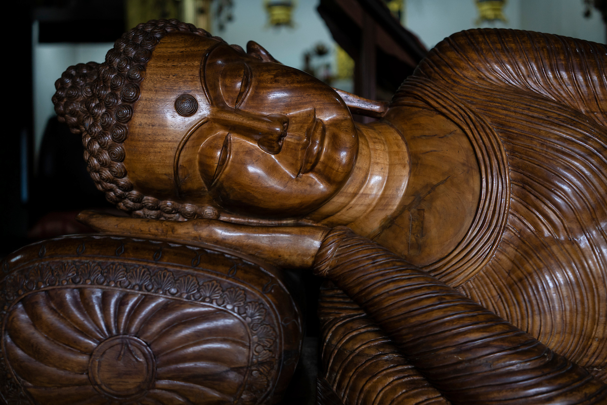 Buddha statue in the reclining pose