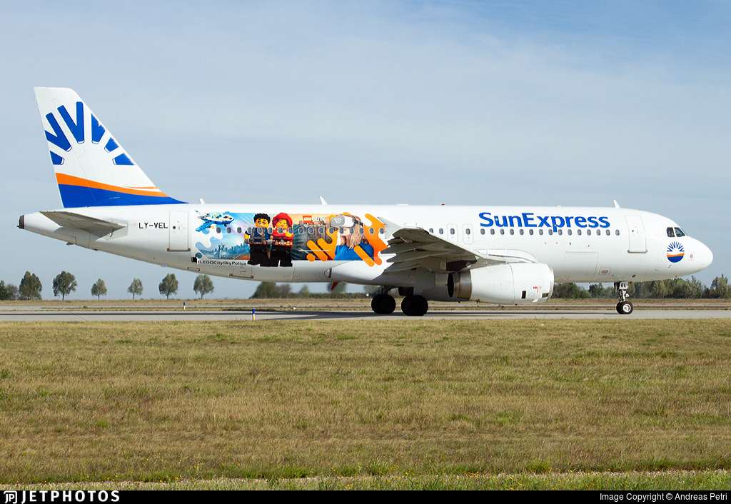 SunExpress A320 in Lego livery