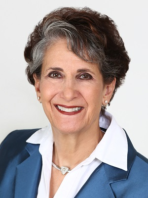 Shelly Bloom of Virtual Properties Realty