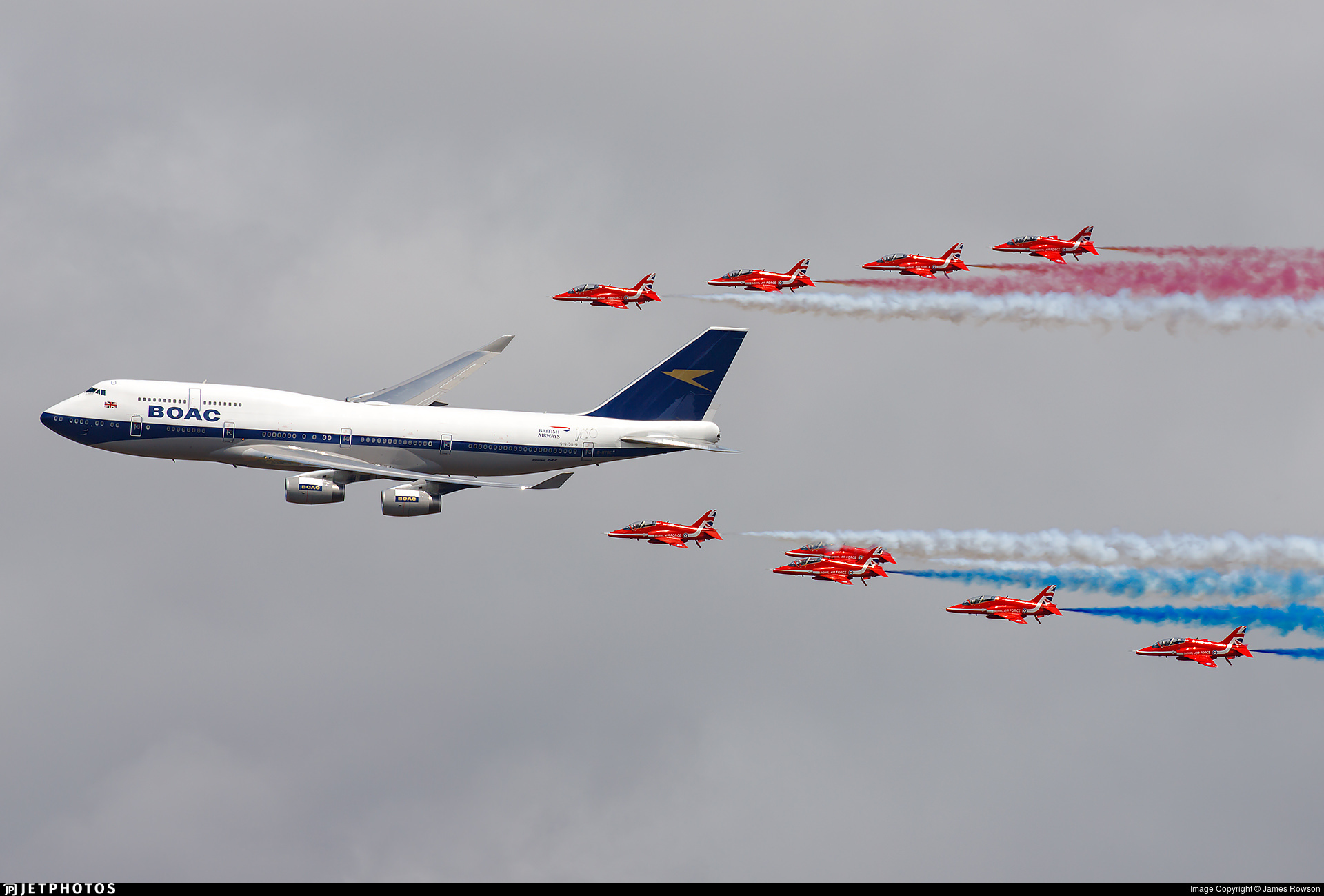 BOAC heritage livery British Airways 747 flying in formation with the RAF Red Arrows