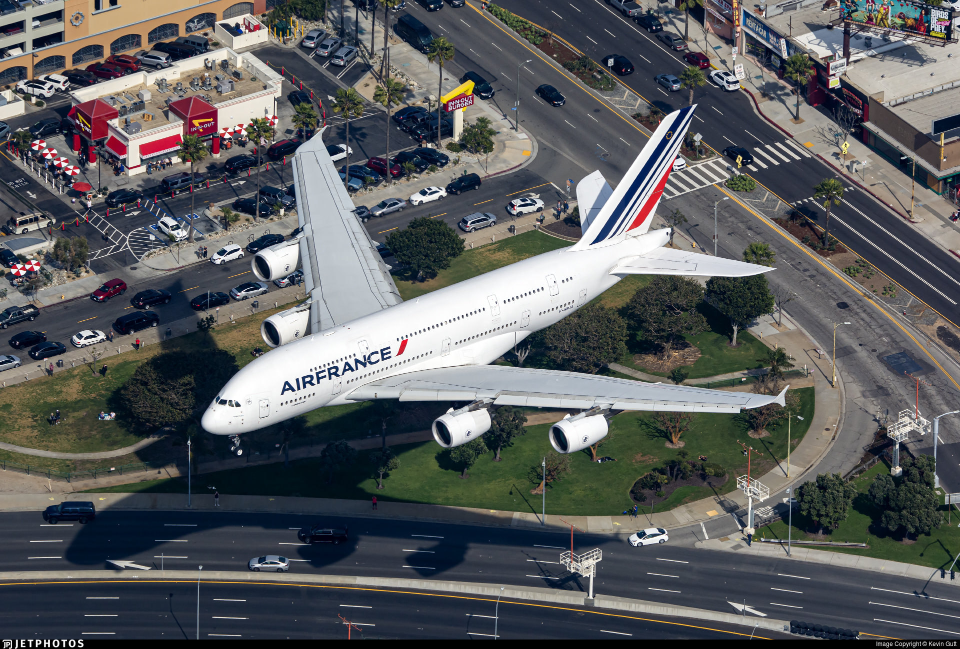 An Air France A380 landing in Los Angeles