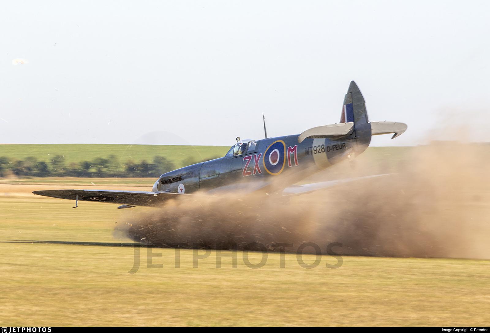Spitfire prop strike at Duxford
