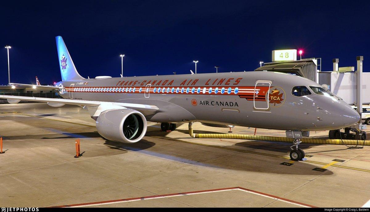 Air Canada retro A220