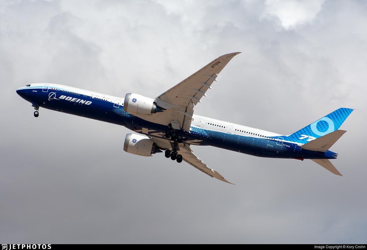 Boeing 777X departure