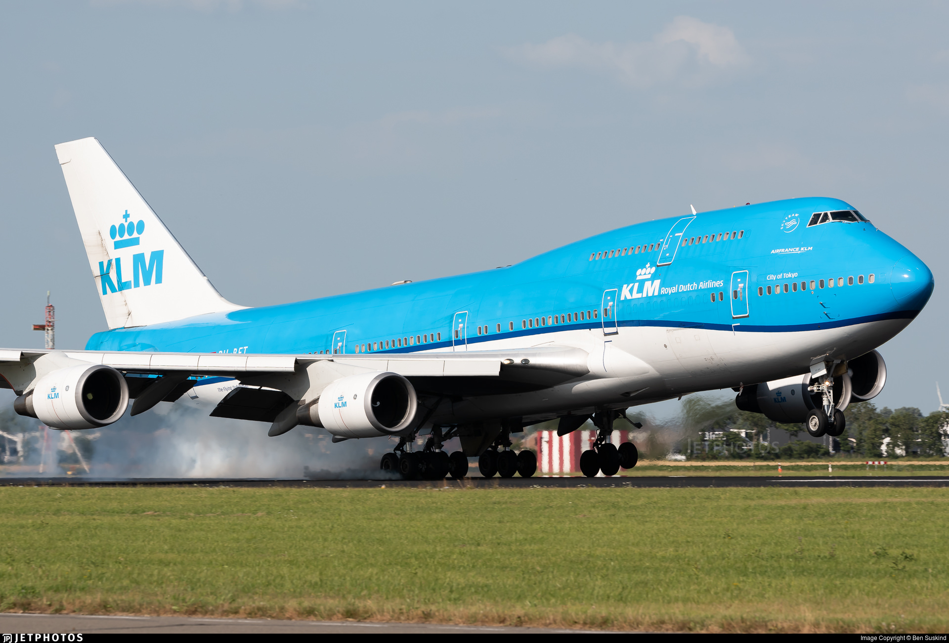 A KLM 747 touching down in Amsterdam
