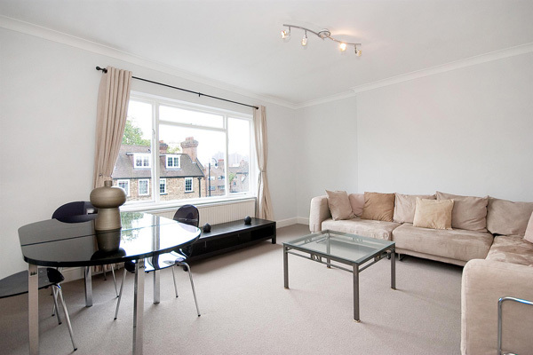 ELM PARK ROAD, CHELSEA, SW3 £995,000 Available