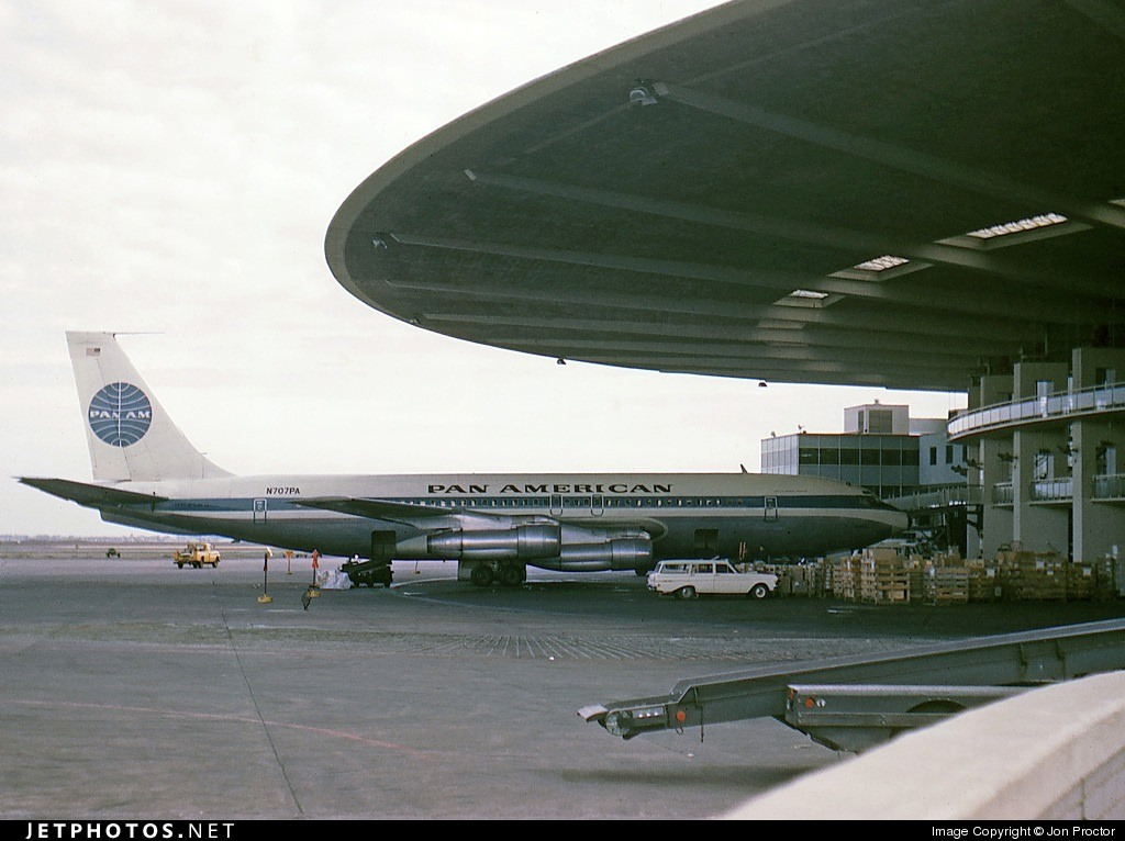 A Pan American 707 in New York