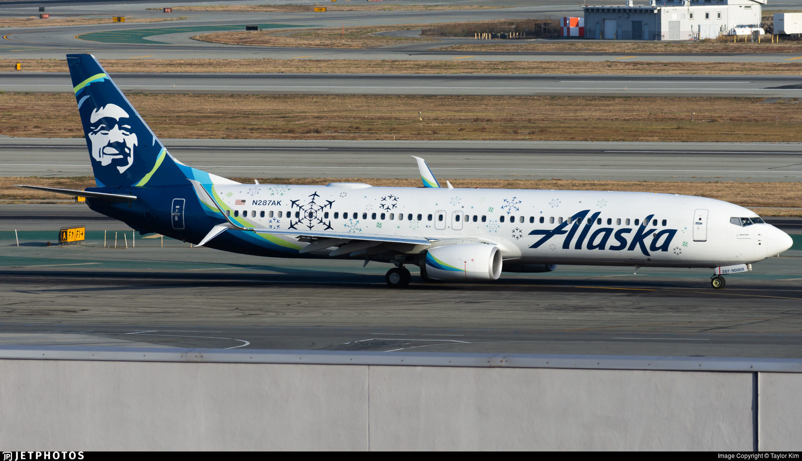 Alaska Airline's new snowflake livery