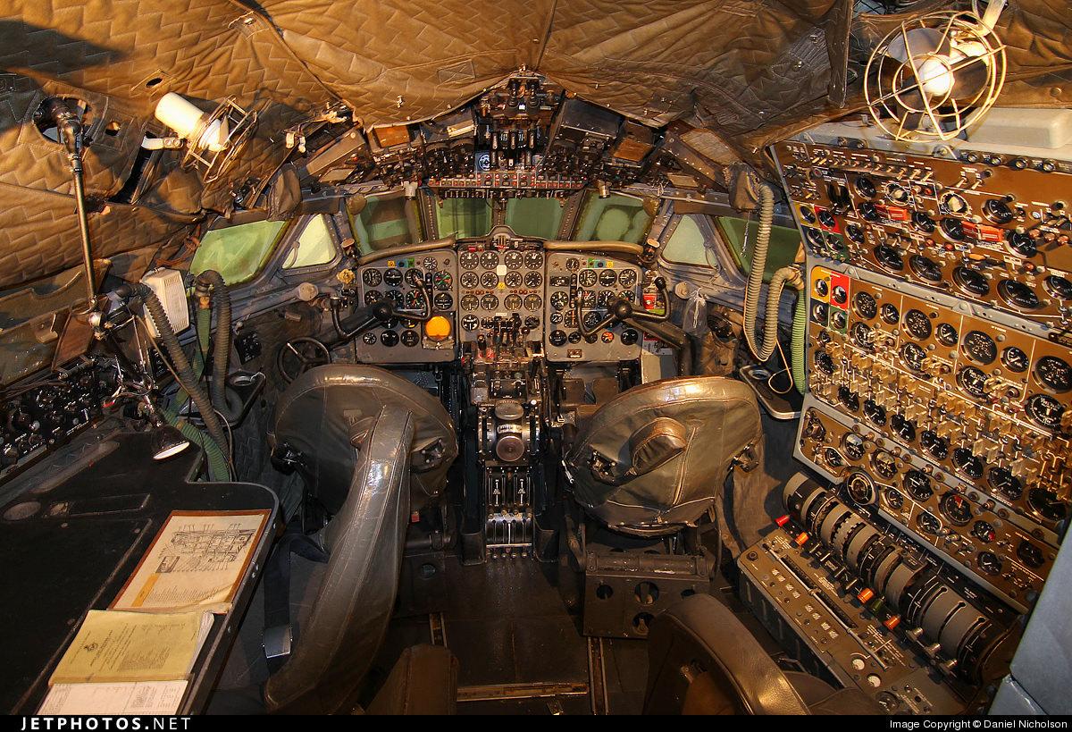 Comet flight deck