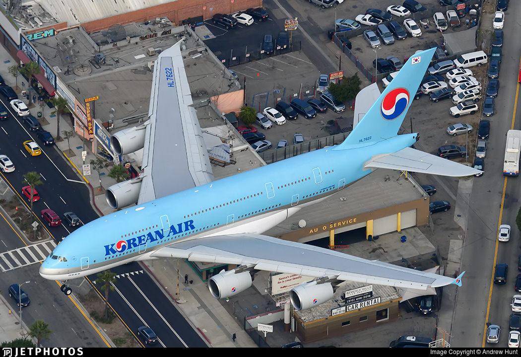 A Korean Air A380 landing in Los Angeles