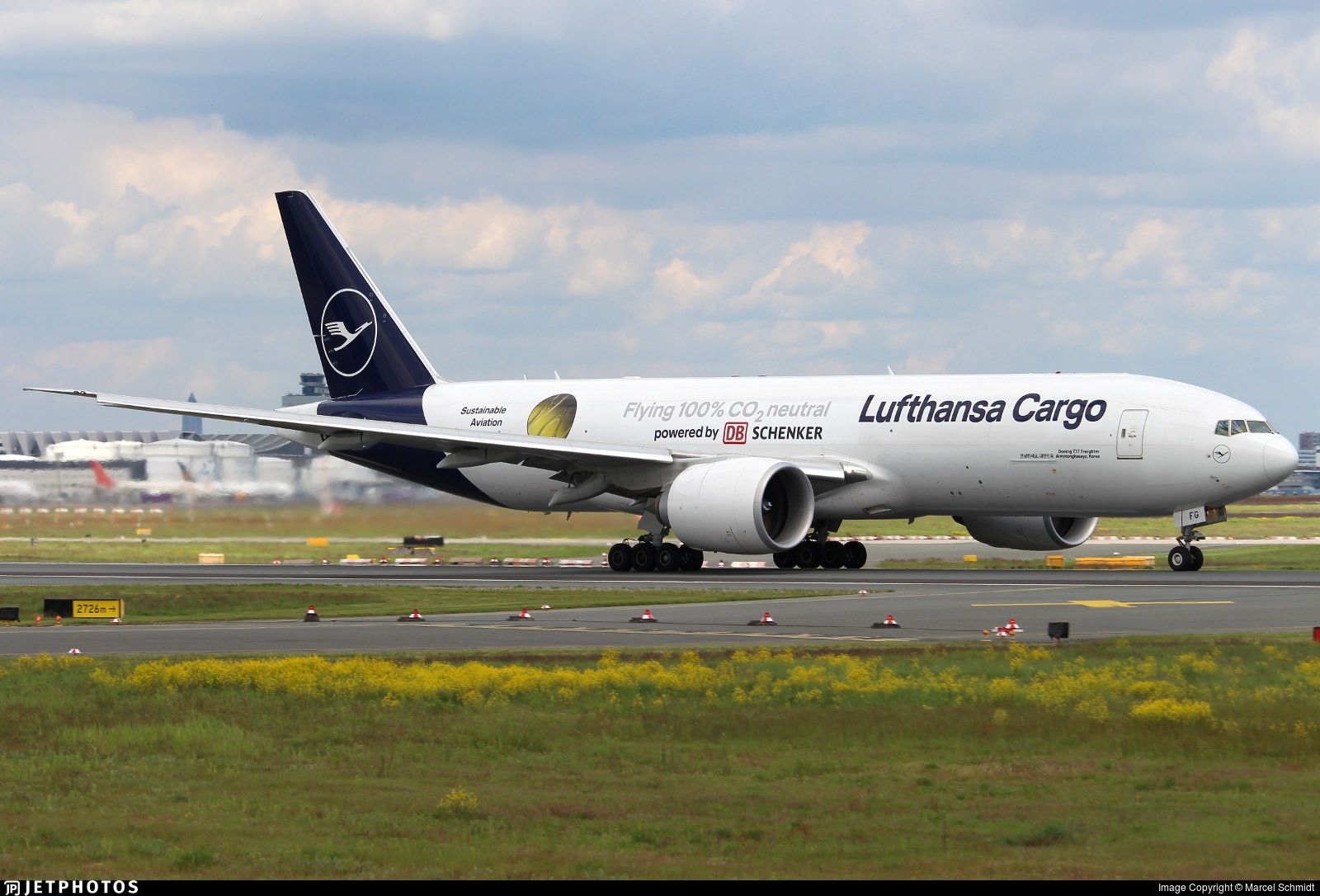 """Lufthansa Cargo 777 in """"Sustainable Aviation"""" livery"""
