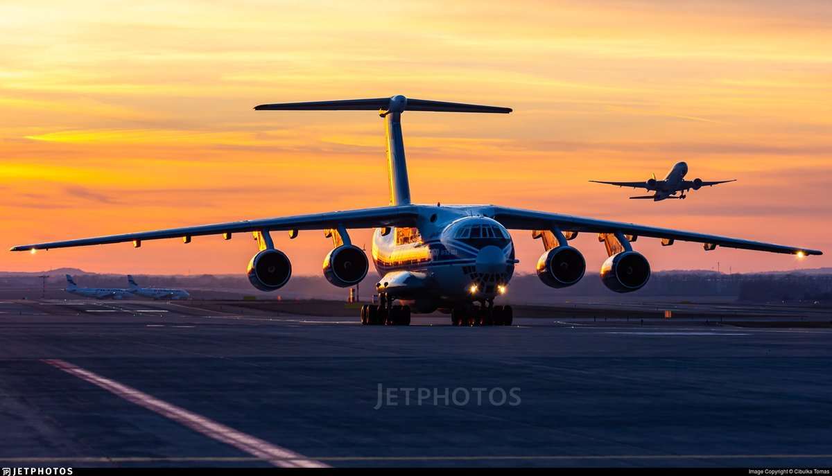 IL-76 and 777 at Sunset