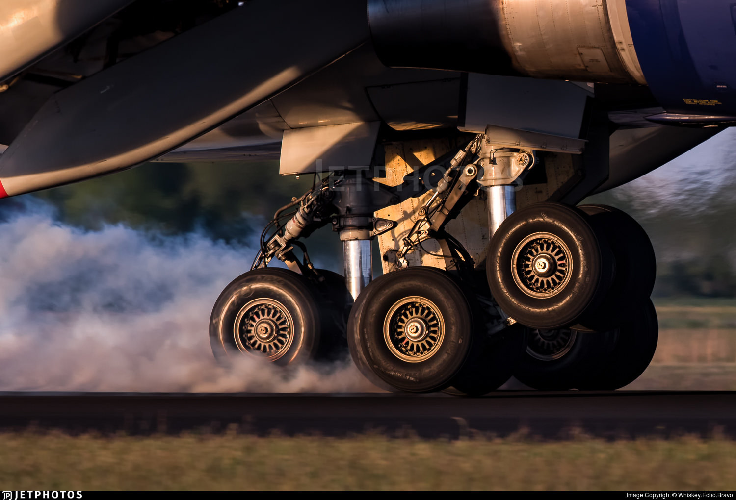 Atlas Air 747 main landing gear touching down
