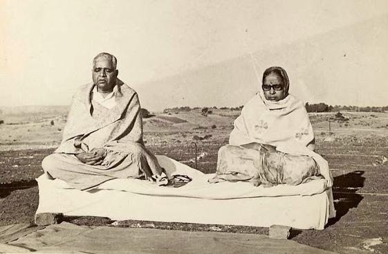 Guruji and Mataji: foundation Dhamma Giri pagoda