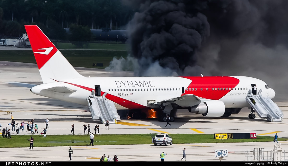 Dynamic Airways 767 on fire in Fort Lauderdale