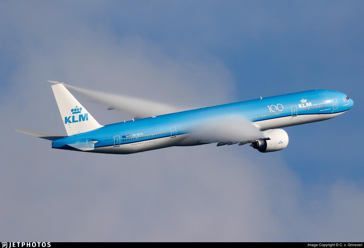 KLM 777 departing Amsterdam