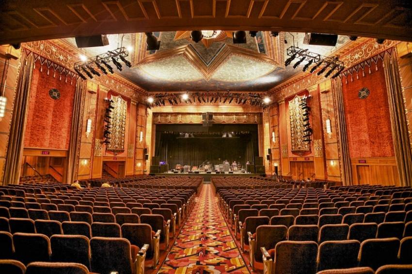 Patron Benefit from Warner Theatre