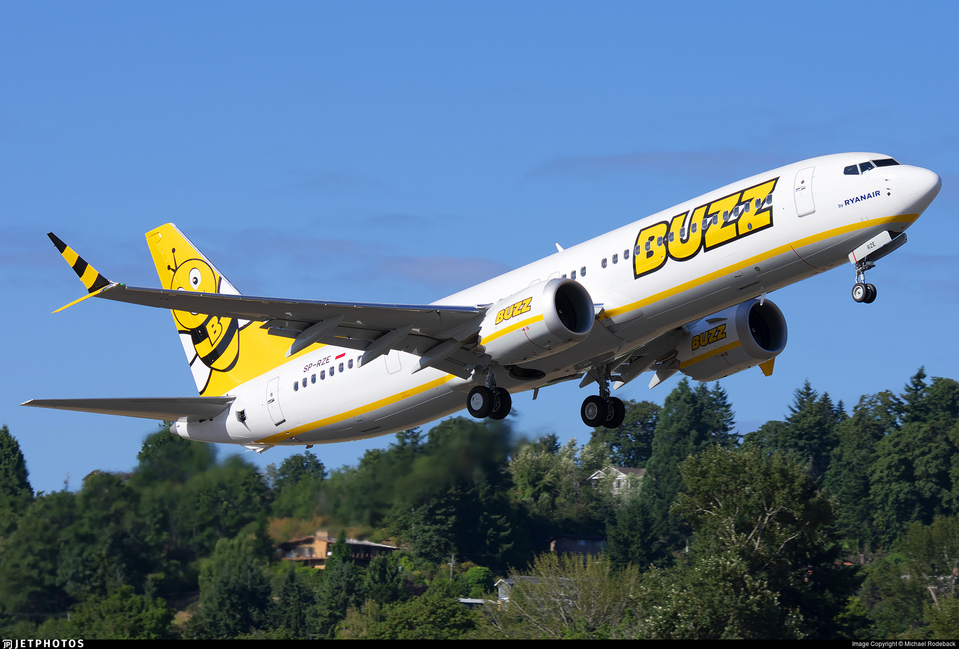 First BUZZ livery 737-8-200 MAX