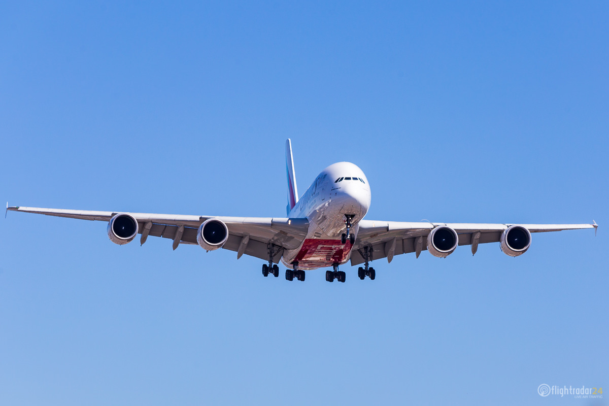 An Emirates A380 landing in Los Angeles